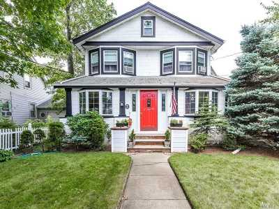 Lynbrook Single Family Home For Sale: 64 Lenox Ave