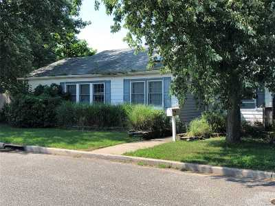 Seaford Single Family Home For Sale: 3581 Ionia St