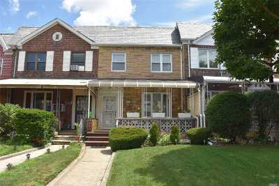 Middle Village Single Family Home For Sale: 61-17 82nd St