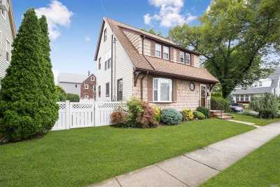 Williston Park Single Family Home For Sale: 28 Park Ave