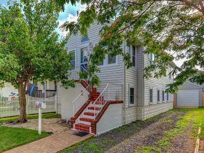 Island Park Single Family Home For Sale: 100 Ostend Rd