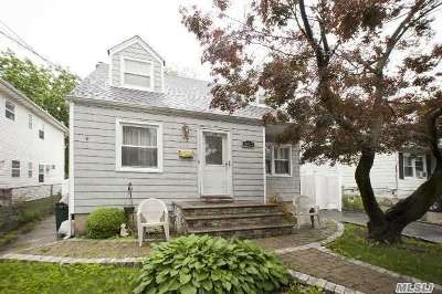 Uniondale Single Family Home For Sale: 1013 Harding St