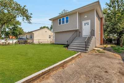 Wyandanch Single Family Home For Sale: 31 S 19th St
