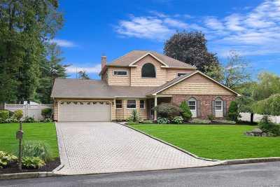 Nesconset Single Family Home For Sale: 44 Maple Glen Ln