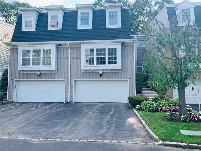 Syosset Condo/Townhouse For Sale: 24 The Mews