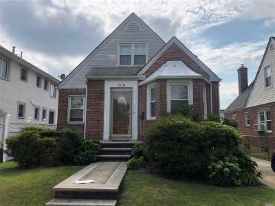 Fresh Meadows Single Family Home For Sale: 53-28 192 St