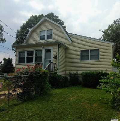 East Meadow Single Family Home For Sale: 2053 Park Ave