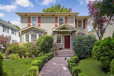 Floral Park Single Family Home For Sale: 99 Geranium Ave