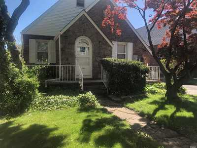 Hillcrest Single Family Home For Sale: 82-73 164 St