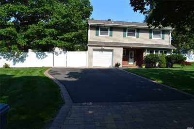 Farmingville Single Family Home For Sale: 30 N Morris Ave