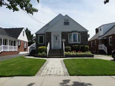 Mineola Single Family Home For Sale: 197 Dow Ave