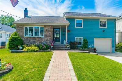 Wantagh Single Family Home For Sale: 3450 Edgerton Ave