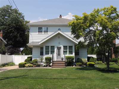 Wantagh Single Family Home For Sale: 3461 Lufberry Ave