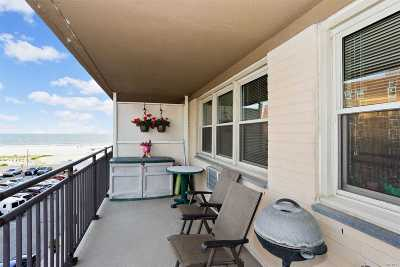 Long Beach NY Co-op For Sale: $579,000
