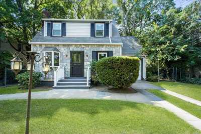 Roosevelt Single Family Home For Sale: 151 Hudson Ave