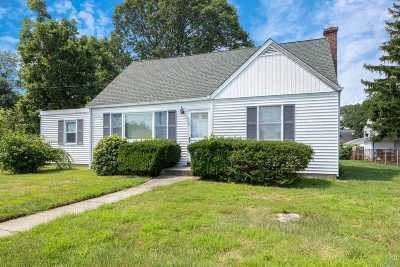 E. Northport Single Family Home For Sale: 259 Clay Pitts Rd