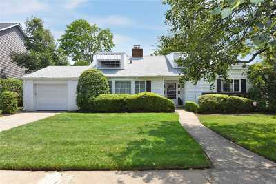 Single Family Home For Sale: 228 Waverly Ave