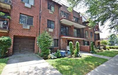 Fresh Meadows Condo/Townhouse For Sale: 71-49 162 St #3FL