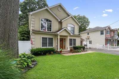 Melville Single Family Home For Sale: 22 E Lyons St