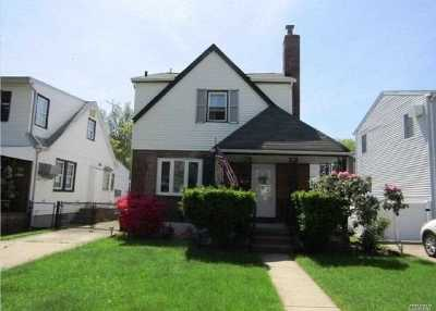 Bellerose, Glen Oaks Single Family Home For Sale: 84-40 251st St