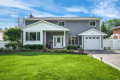 Commack Single Family Home For Sale: 41 Pawnee Dr