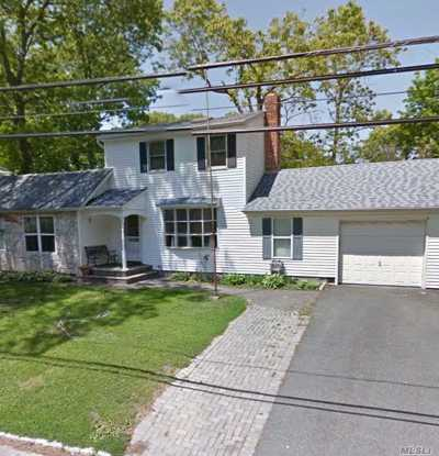 Ronkonkoma Single Family Home For Sale: 231 Seminole St