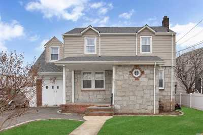 E. Rockaway Single Family Home For Sale: 65 Phipps Ave
