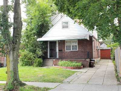 Fresh Meadows Single Family Home For Sale: 61-12 184 St