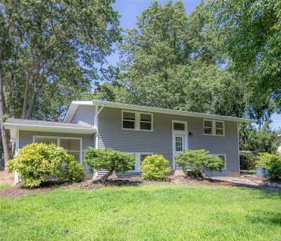 E. Setauket Single Family Home For Sale: 19 Lodge Ln