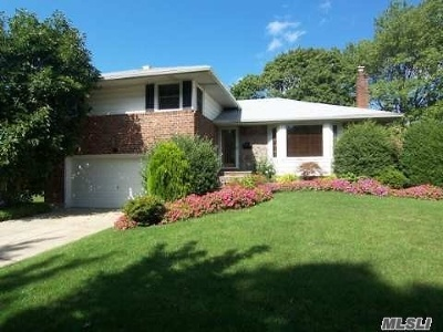 Woodbury Single Family Home For Sale: 7 Sparrow Ln