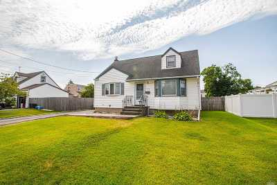 East Meadow Single Family Home For Sale: 1756 Lenox Ave