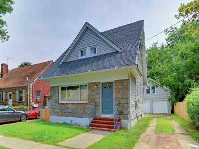 Roosevelt Single Family Home For Sale: 17 W Clinton Ave