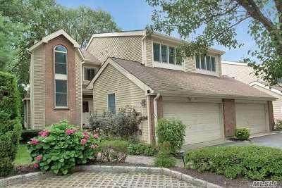Smithtown Condo/Townhouse For Sale: 36 Willow Ridge Dr