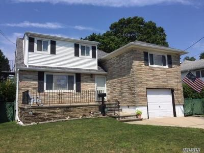 Massapequa Single Family Home For Sale: 270 West End Ave
