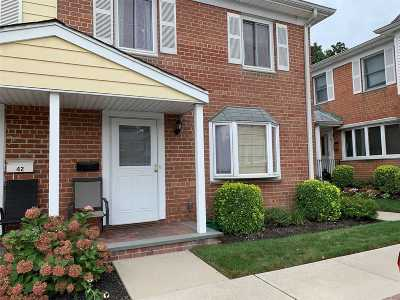 East Meadow Condo/Townhouse For Sale: 1810 Front St #43