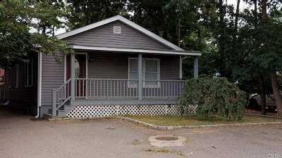 Shirley Single Family Home For Sale: 5 Ashwood Dr