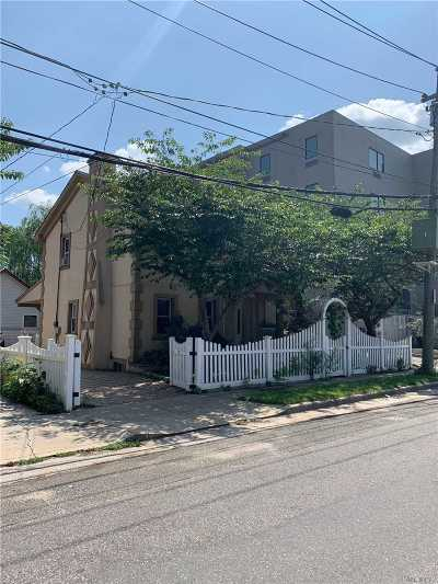 Hempstead Single Family Home For Sale: 28 Attorney St