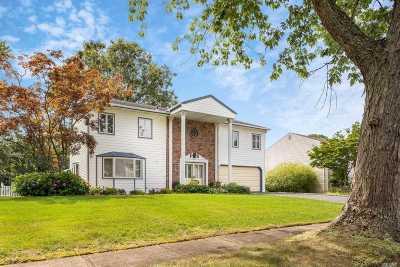 Nesconset Single Family Home For Sale: 2 Ponderosa Ln