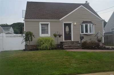 Wantagh Single Family Home For Sale: 2418 Atlantic Blvd