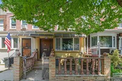 Maspeth Single Family Home For Sale: 62-31 60 Ave