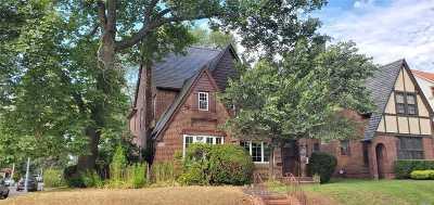 Jamaica Estates Single Family Home For Sale: 84-01 Kent St
