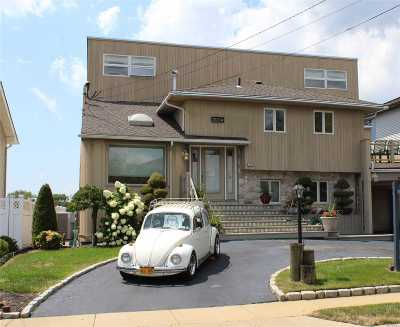 Bellmore Single Family Home For Sale: 3004 Shore Rd