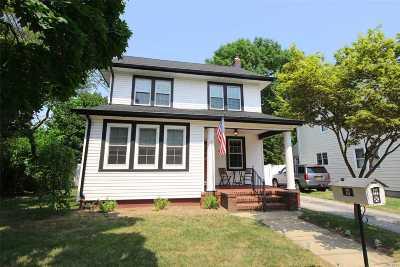 Lynbrook Single Family Home For Sale: 67 Huntington Ave