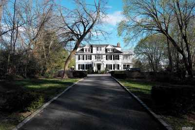 Old Westbury Single Family Home For Sale: 87 Wheatley Rd
