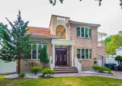 Bayside Single Family Home For Sale: 64-12 214th St