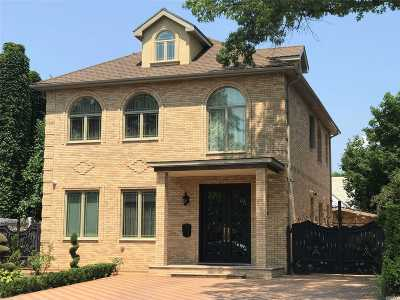Forest Hills Single Family Home For Sale: 108-41 67 Ave