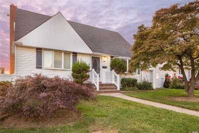 Levittown Single Family Home For Sale: 156 Noell St