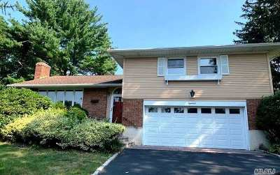 Locust Valley Single Family Home For Sale: 18 Fox Ridge Ln