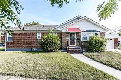 Fresh Meadows Single Family Home For Sale: 174-03 Booth Memorial Ave