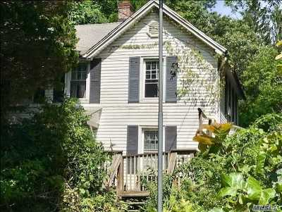 Centerport Single Family Home For Sale: 60 Stony Hollow Rd